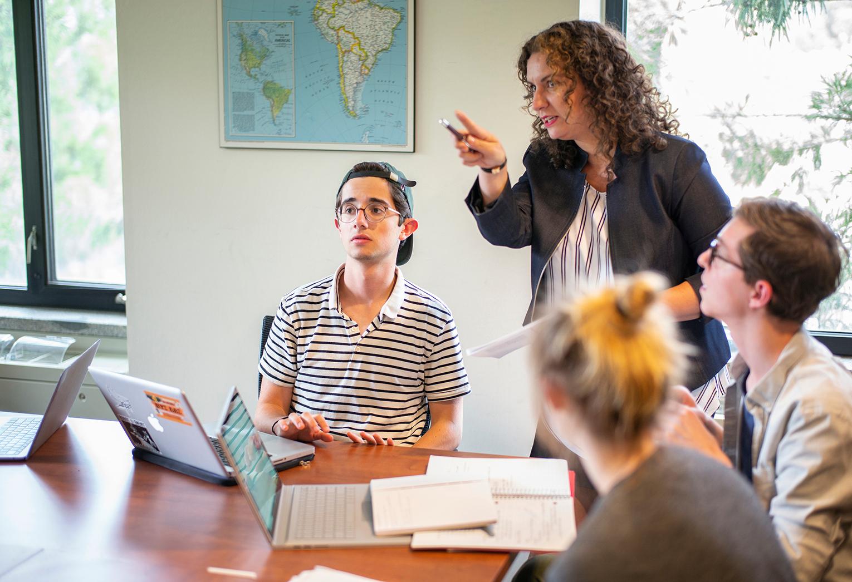 Faculty member teaches seminar class