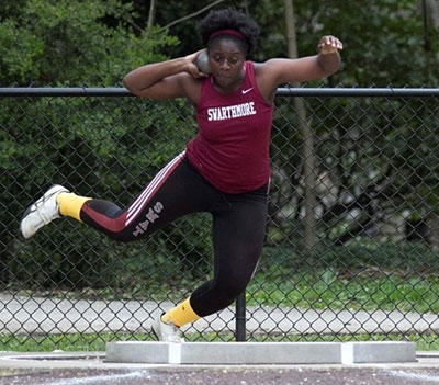 Osazenoriuwa Ebose '15 competing in shot put