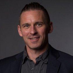 Associate Professor of Chemistry and Biochemistry Chris Graves