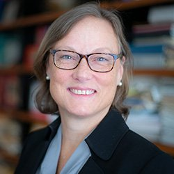 Professor Amanda Bayer