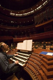 Gerald Levinson rehearsing on the Philadelphia Orchestra's pipe organ