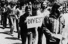 Students protesting divestment from South Africa