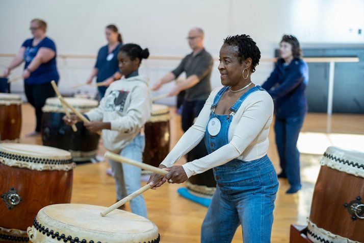 Assistant Professor of Dance and professional Taiko drum artist Joe Small '05 led an interactive Taiko workshop.