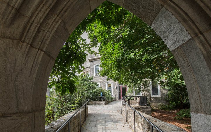 Archway to IC