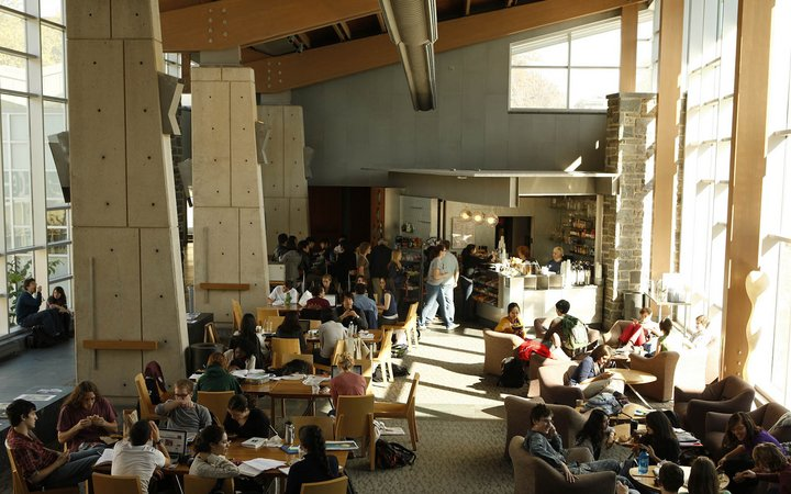 crowded campus cafe