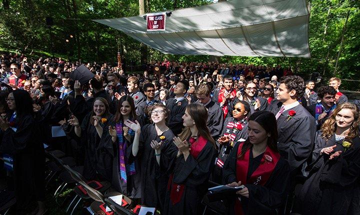 graduates thank their families