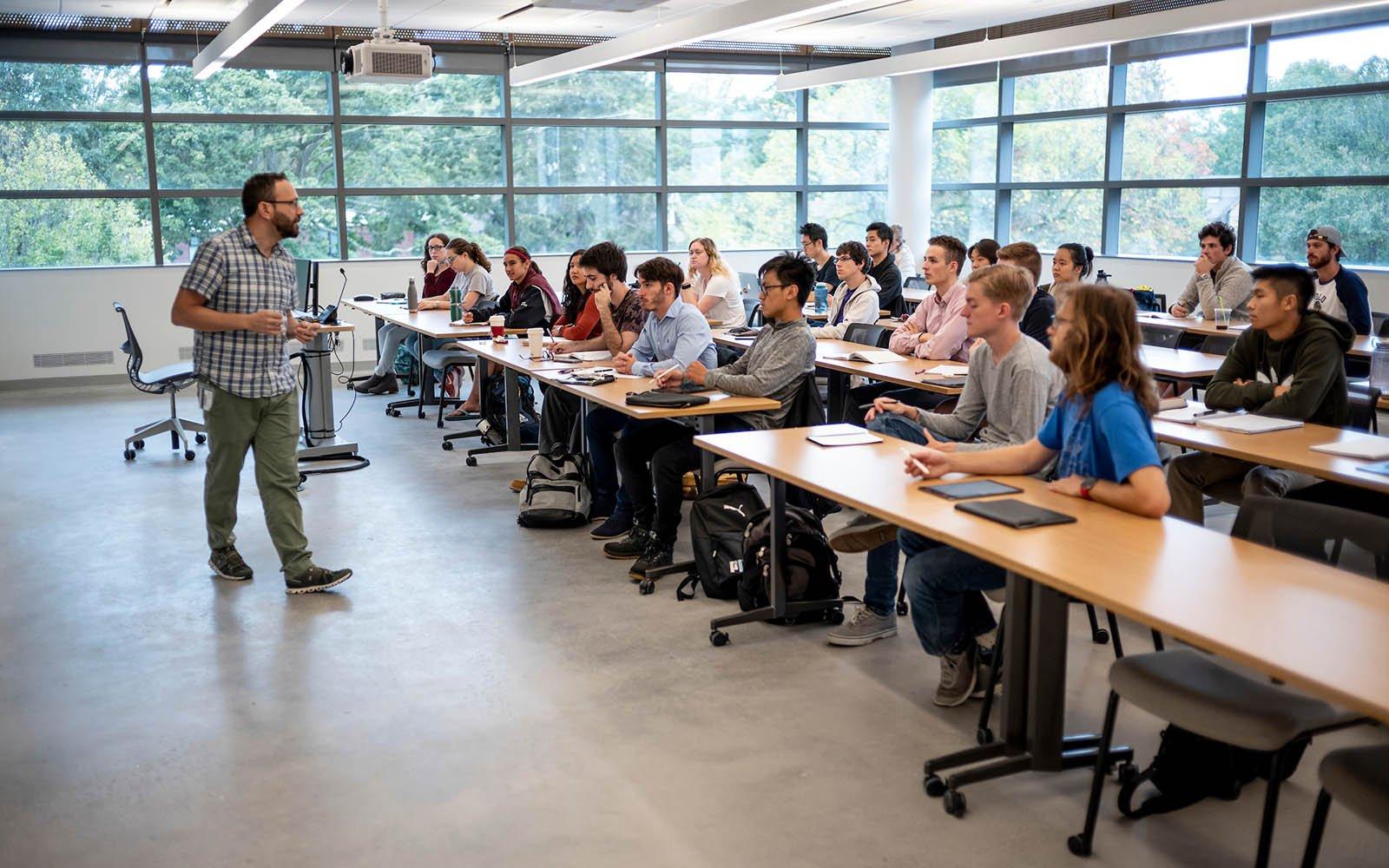 faculty teaching an class