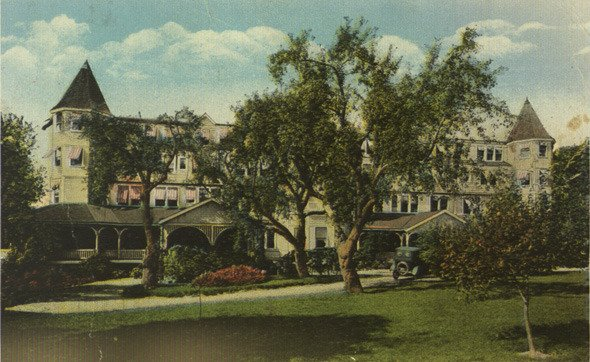 Colored postcard of the Strath Haven Inn in Swarthmore, ca. 1920
