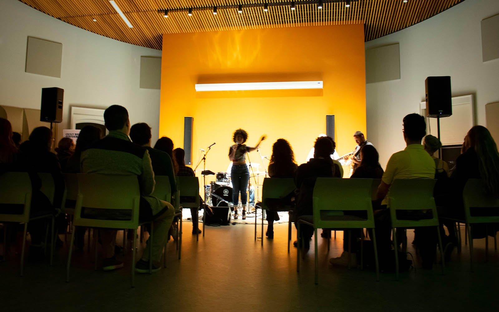 IC music performanec