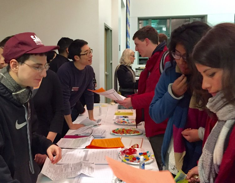 students gathering information about Sophomore Planning at Chocolates, Chai and Choosing