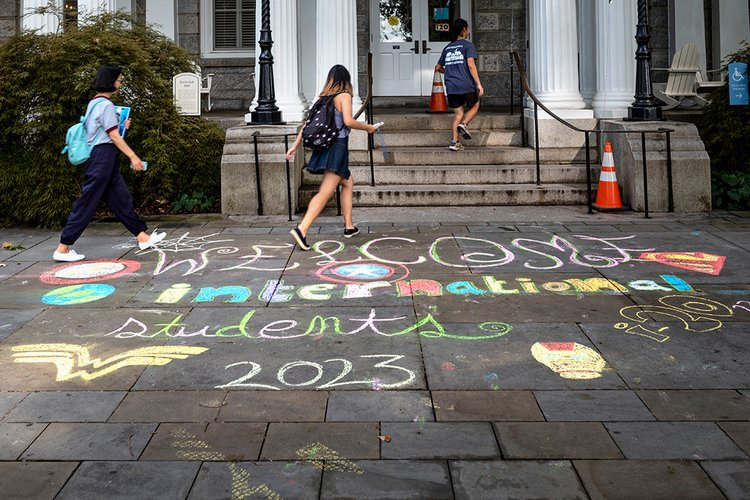 International Student orientation chalking outside of Parrish