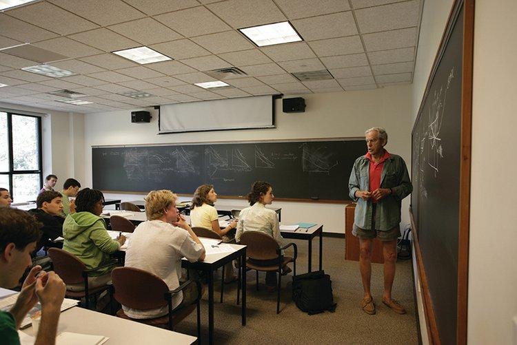 Rob Hollister teaches class