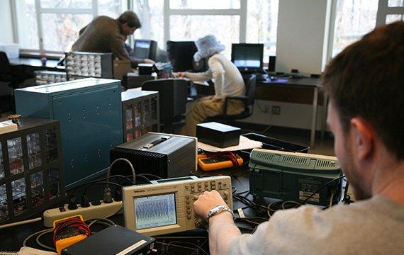 Liquid Crystal Research Lab