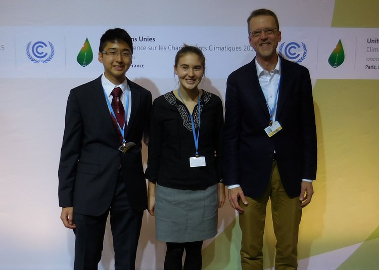 3 members of Swarthmore's 2015 COP21 Delegation in Paris, France