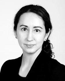 Kira Alvarez '05