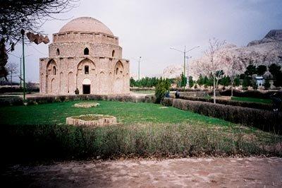 Zoroastrian fire house near Mahan