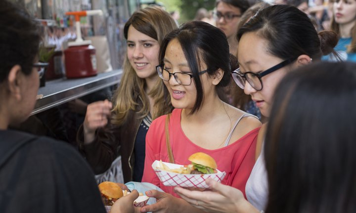 Students at the food truck