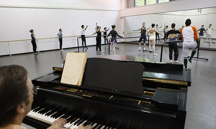 Students rehearse in a dance studio