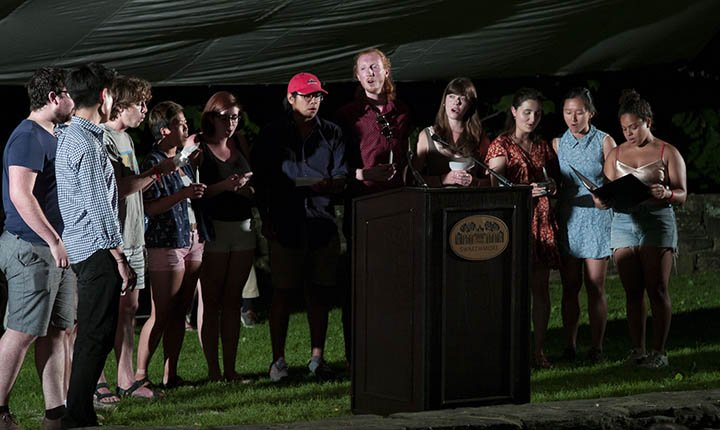 A cappella groups perform