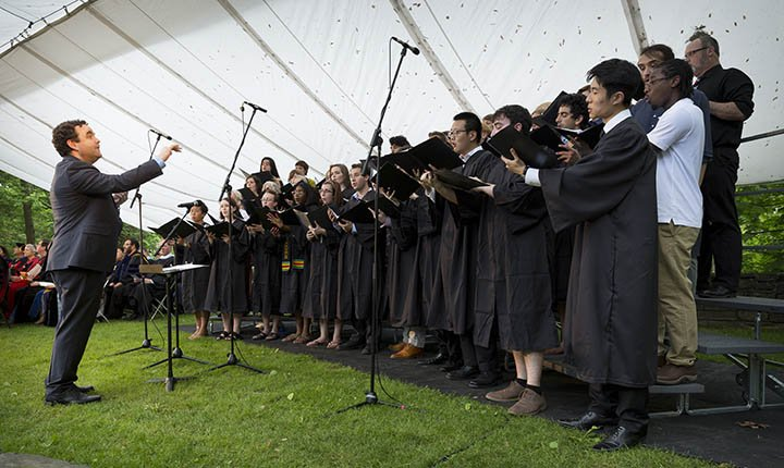 Choir singing at Baccalaureate