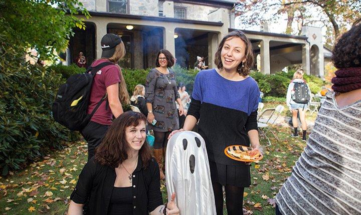 Students enjoy Halloween decorations