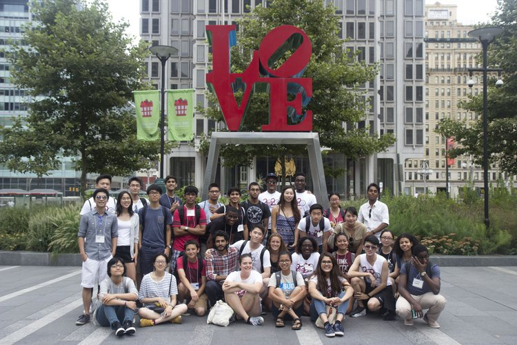 International Students pose in front of Love Park during Philly Trip