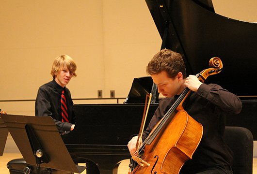 Students perform a Mendelssohn piano trio.