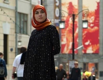 moscow muslim The woman, dressed in a burka, threatened to blow herself up as she walked near oktyabrskoye pole metro station, in moscow, holding up the little girl's head.