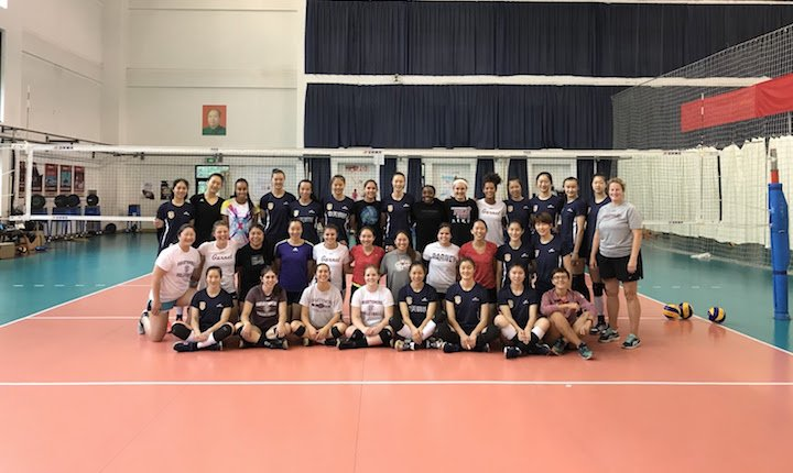 Volleyball team with members of China's Olympic gold medal team