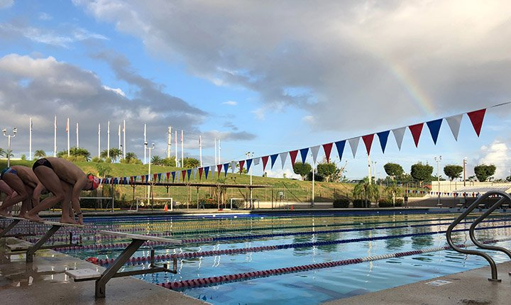 The Swarthmore swim team practices in Puerto Rico