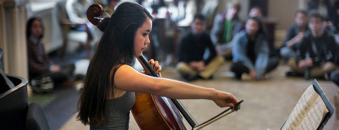 Lily Wushanley '18 playing cello