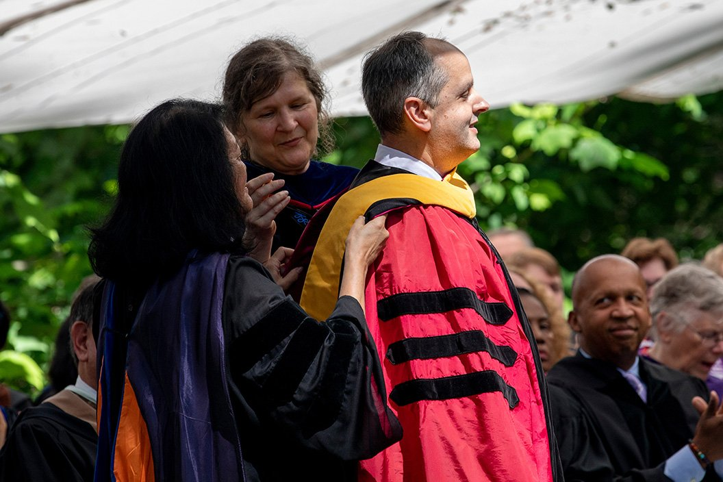 Jon Lorsch '90 receives honorary degree