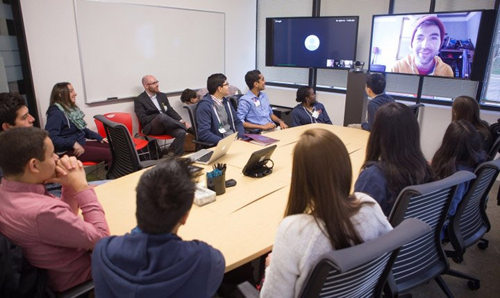 Students meet alumni in San Francisco