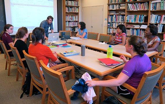 Student teachers develop online teaching portfolios.