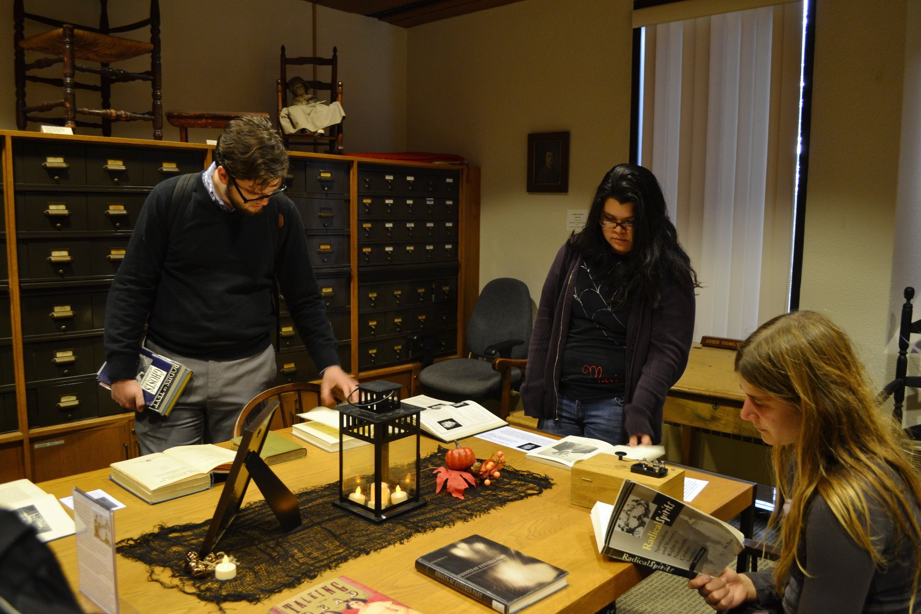 Students using resources in Friends Historical Library