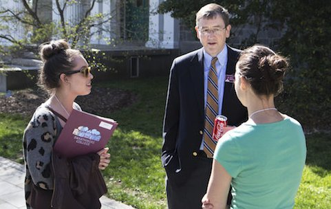 Jim Bock '90, Vice President and Dean of Admissions, talks with prospective students. (Photo by Martin Froger-Silva '16).